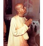 Srila Prabhupada in Vrindavan, Praying